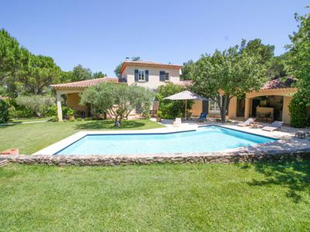 Modern house with pool for sale in quiet neighbourhood. Drôme | Moulin